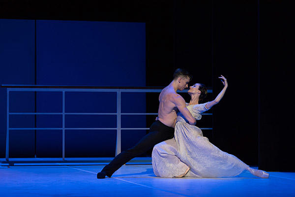 "オーストラリアバレエ団『ニジンスキー』 AB ""Nijinsky"" Kevin Jackson & Amber Scott, photo by Wendell Teodoro"