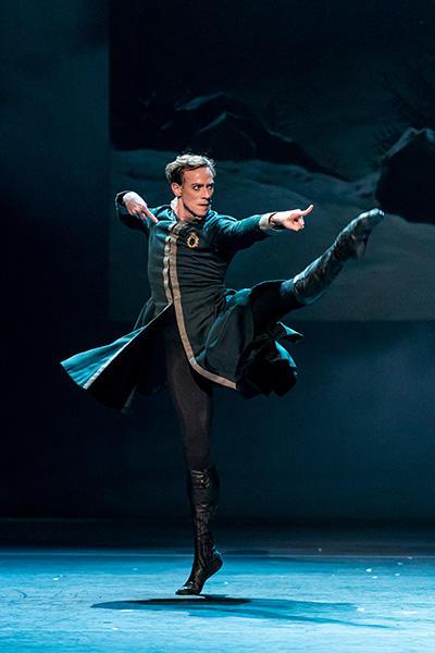 Royal Ballet act 1 Edward Watson photo by Darren
