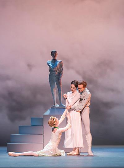 Royal Ballet act 3 . Watson, Cuthbertson & Lamb (c) ROH Johan Persson