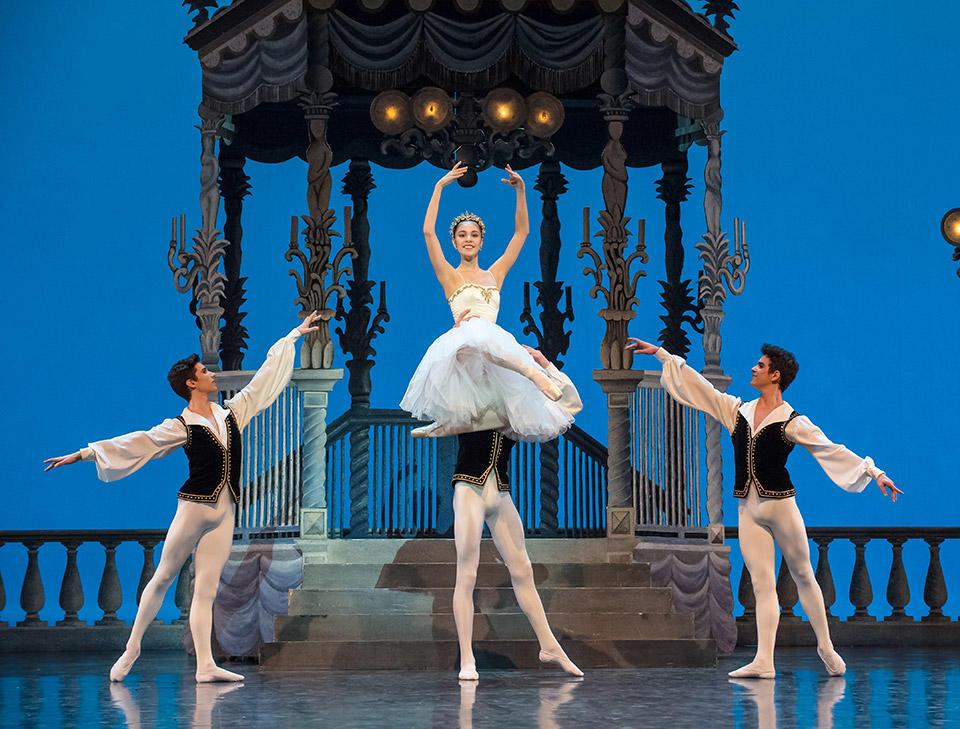 Soir-de-fêtes--Ecole-de-danse-de-l'Opéra-national-de-Paris----Photo-C-David-Elofer---ONP-6336.jpg
