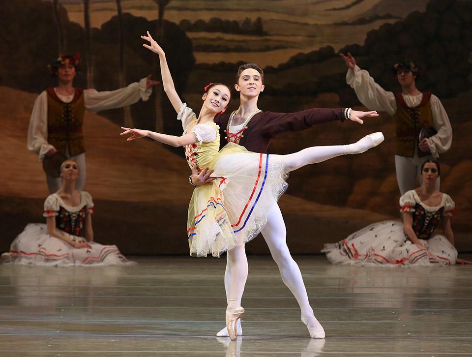 M.-Nagahisa-_-Y.-Baibordin-in-Giselle-by-Natasha-Razina-©-State-Academic-Mariinsky-Theatre-(2).jpg