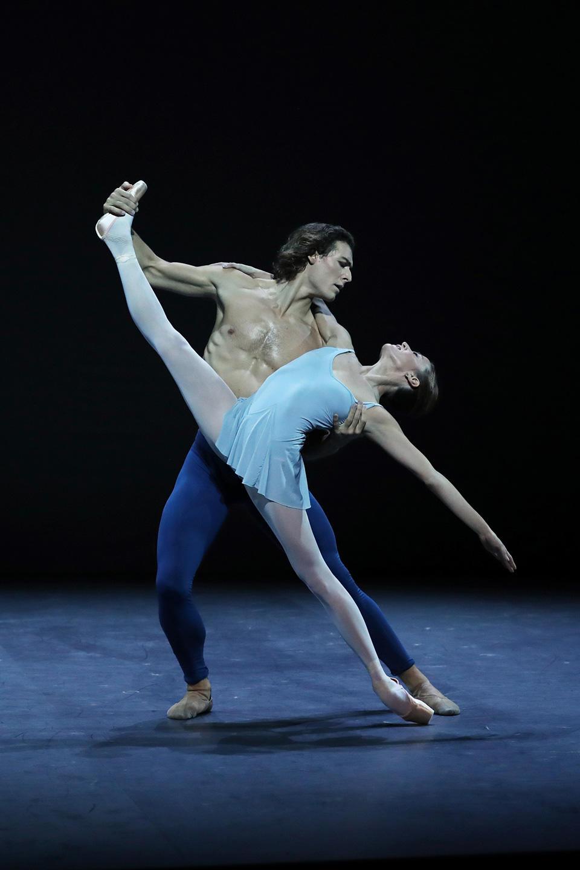 202009-proscenium-A-©Svetlana-Loboff-OnP-148-Trois-gnossiennes-Ludmila-Pagliero-Hugo-Marchand.jpg