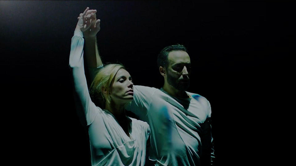 Fernanda-Oliveira-and-Fabian-Reimair-in-Russell-Maliphants-Echoes-©-English-National-Ballet-1.jpg
