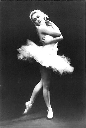 オデットを演じるガリーナ・ウラーノワ