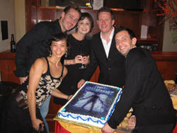 サンフランシスコの初日のパーティーです 左からアダム、マディー、マシュー、アンドリュー