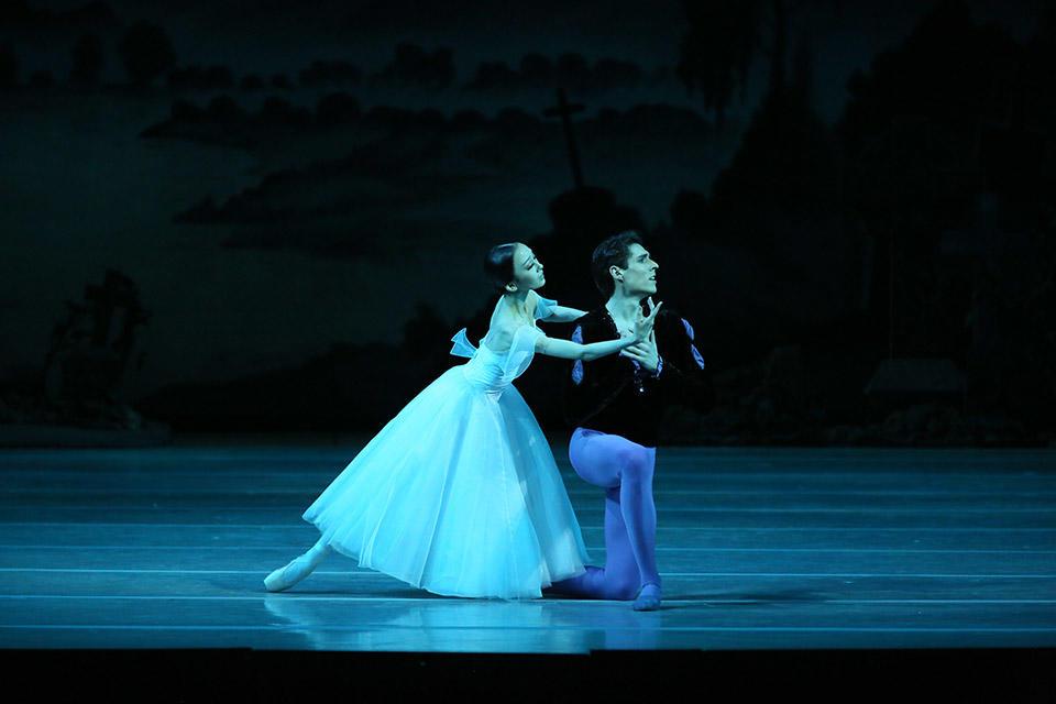 Giselle-by-Natasha-Razina-©-State-Academic-Mariinsky-Theatre-(16).jpg