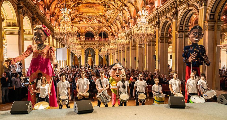 _Chatelet-Parade-5--Las-marionetas-gigantes-de-Moçambique(c)Thomas-Amouroux---18.jpg