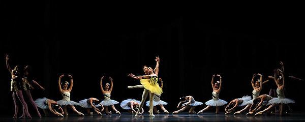 「バレエの情景」Photo: Angela Kase