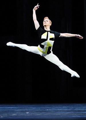 「バレエの情景」スティーヴン・マックレー Photo: Angela