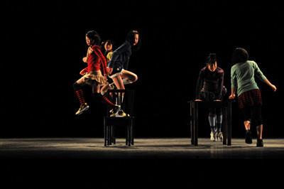 クリエイティブダンス フェスティバル2010「灼熱オドリタイム」 DーTRUE DANCE SCHOOL PADOMA『ある話』