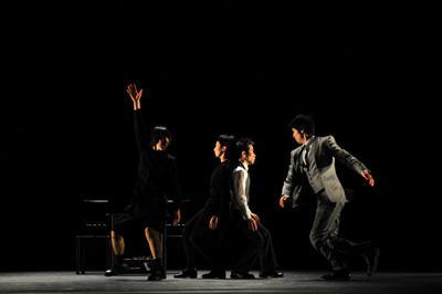 クリエイティブダンス フェスティバル2010「灼熱オドリタイム」 小野寺率 カンパニーデラシネラ『もう一つの話』