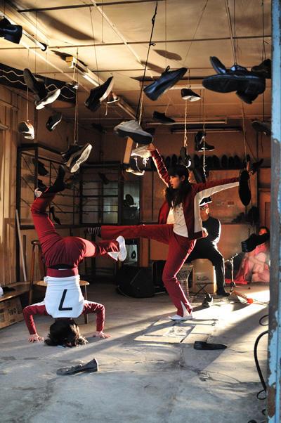 堀川プロジェクト『まことクラヴかけぬけ下町商店街』 円頓寺商店街 にて 写真:(C)加藤 光