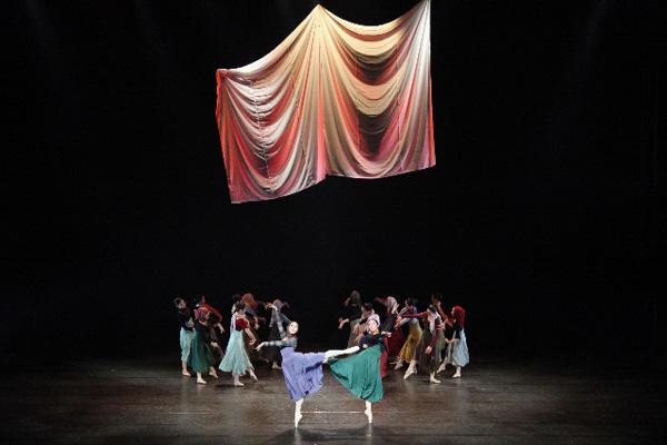 バレエグループあすなろ 『序曲「1812年」~戦争と平和~』