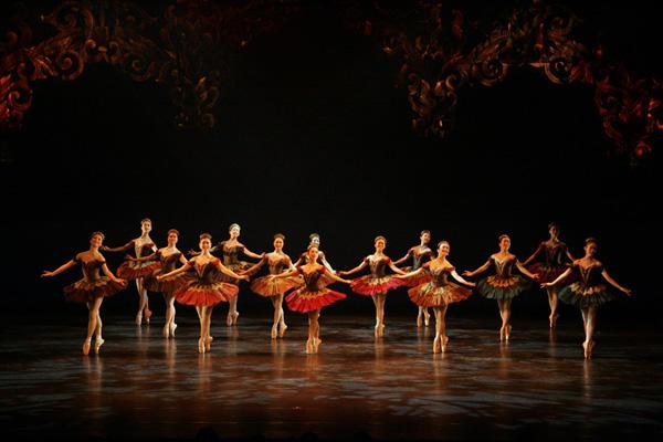 Ballet Spitz 「バレエアーベント」 「チャイコフスキーの夕べ」 (C)エー・アイ 撮影:塩谷武