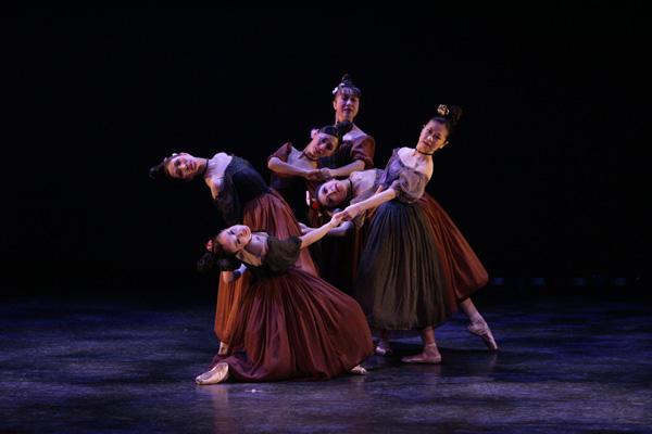 Ballet Spitz 「バレエアーベント」 「パトロンと女達」 (C)エー・アイ 撮影:塩谷武