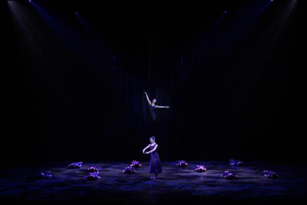 Ballet Spitz 「バレエアーベント」 「Die Frau」 (C)エー・アイ 撮影:塩谷武