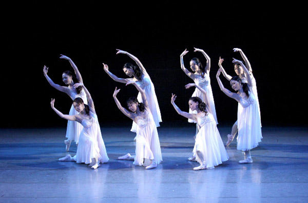 バレエスタジオ・エム・ドゥ『Piano Suite』 写真:むらはし和明