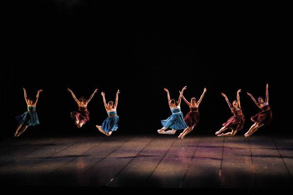 2010 テアトル・ド・バレエ カンパニー1st公演 井口裕之 振付「『DOLL 』 撮影:岡村昌夫