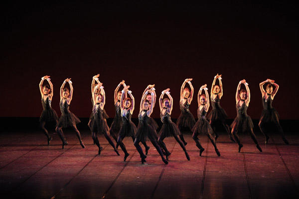 2010 テアトル・ド・バレエ カンパニー1st公演 深川秀夫 振付『Die Tanzerin』 撮影:岡村昌夫