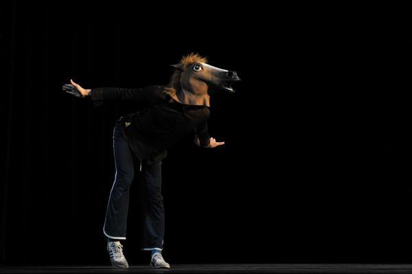 クリエイティブダンスフェスティバル2011 近藤良平ソロ作品