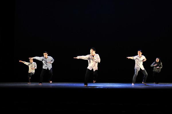 クリエイティブダンスフェスティバル2011 コンドルズ振付による一般参加者出演作品