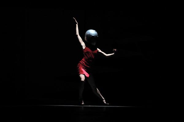 クリエイティブダンスフェスティバル2011 東野祥子ソロ作品