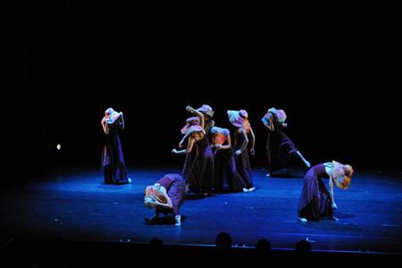 パフォーミング・アーツ・ガーデン2011 至学館大学創作ダンス部 撮影:加藤光