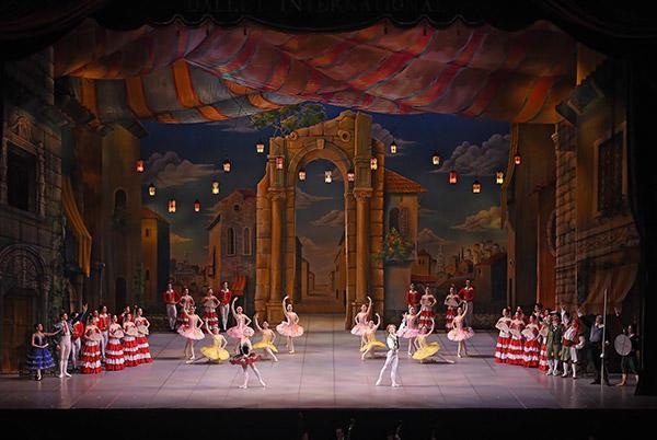 越智インターナショナルバレエ「ドン・キホーテ」撮影:テス大阪