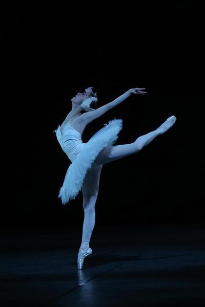 『白鳥の湖』オデット姫:松本千明 撮影:むらはし和明