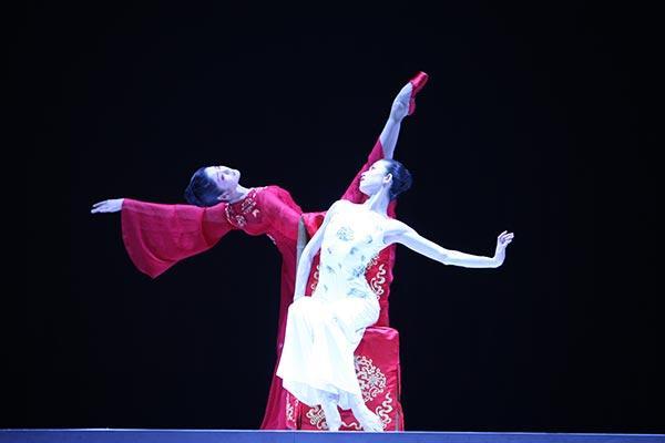 「牡丹亭」Zhu Yan(右) and Zhang Jian (左)