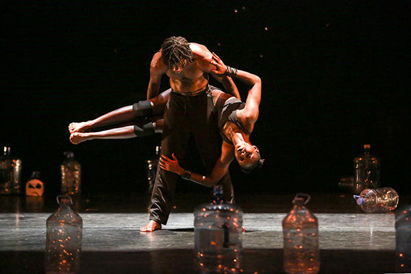 Compagnie Tenane (Baidy Ba and Marie Agnes Gomis) Photo Credit:Richard Termine
