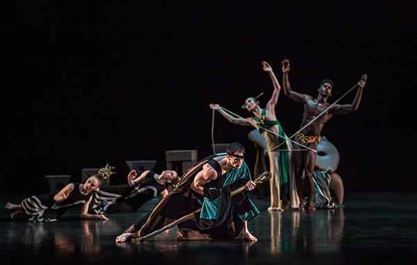Ben Schultz PeiJu Chien Pott and Lloyd Knight and 0ther dancers from the Martha Graham Dance Company in Night Journey Photo by Brigid Pierce