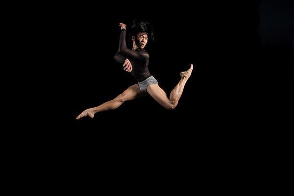 BODYTRAFFIC dancer Matthew Rich. Photo by Rory Doyle