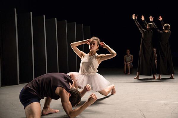 Bret Easterling Zina Zinchenco (C) Julieta Cervantes