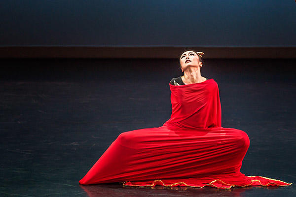 """PeiJu Chien-Pott in """"Clytemnestra"""" Act 2 Photo Brigid Pierce"""