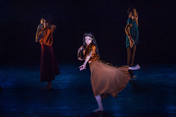 """Xin Ying Center Leslia Andrea Williams Abdiel Jacobsen in """"Mosaic"""". Photo by Brigid Pierce"""
