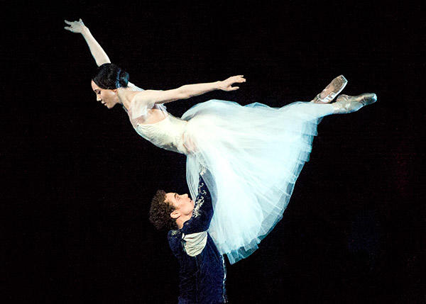 Hee Seo and Cory Stearns in Giselle. Photo: Gene Schiavone.