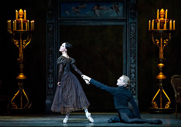 Hee Seo and David Hallberg in Onegin. Photo: Gene Schiavone.