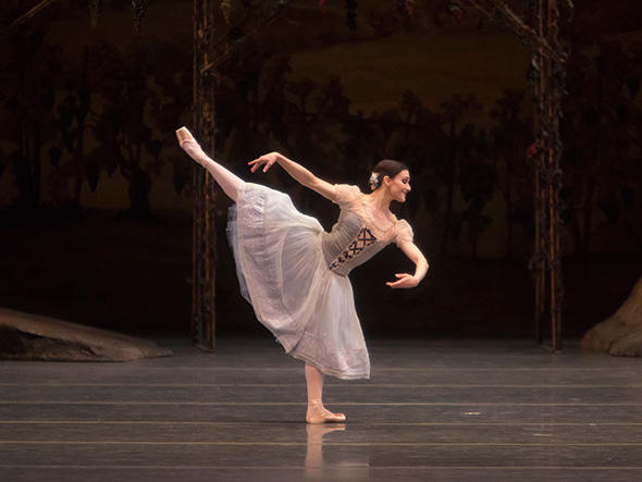 Sarah Lane in Giselle. Photo: Erin Baiano.