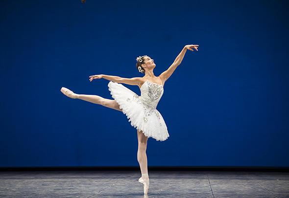 アマンディーヌ・アルビッソン (C) Opéra national de Paris/ Julien Benhamou
