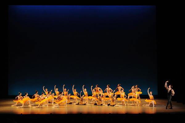 びわ湖から未来へ~飛翔するバレエダンサー達 『シンフォニー・エスパニョール』 撮影:古都栄二(テス大阪)