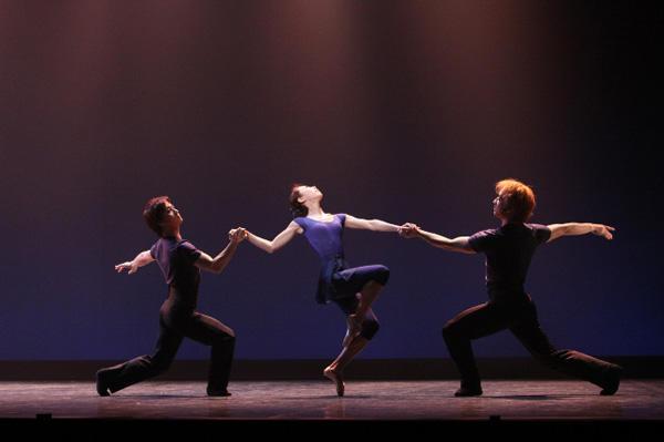 岡田兼宜Ballet&Modern Dance「BE REAL」 『Mother Road』 撮影:李亜衣(テス大阪)