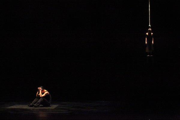神戸女学院音楽学部音楽学科舞踊選考 第4回公演 『Courage』花岡麻里名、原田みのる 撮影:宗石 佳子