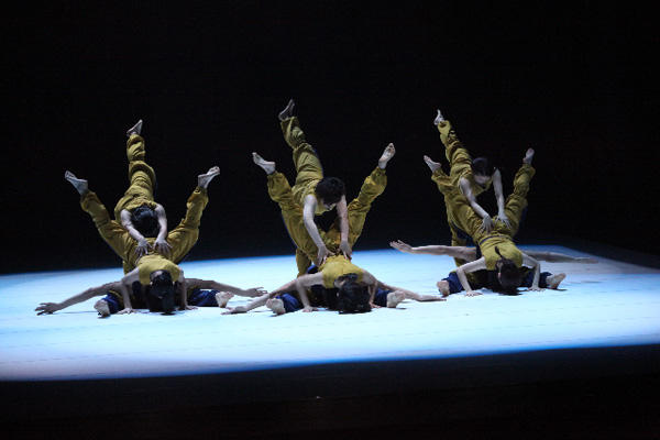 神戸女学院音楽学部音楽学科舞踊選考 第4回公演 『The Naked Truth』 撮影:宗石 佳子