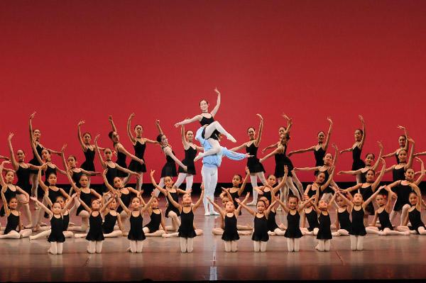 牧阿佐美バレヱからゲストを招いて『パキータ』ほか、オオカワ・バレエ・アーツ