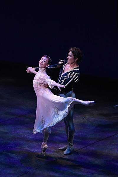 『Romeo and Juliet』 原美香、山本庸督 撮影:文元克香(テス大阪)