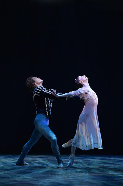 『Romeo and Juliet』原美香、山本庸督 撮影:岡村昌夫(テス大阪)