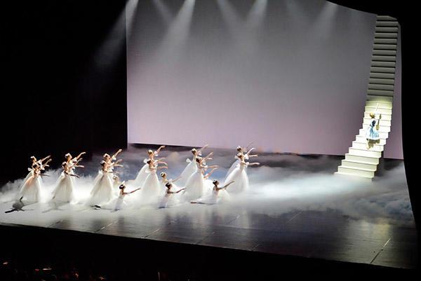 地主薫バレエ団「人魚姫」撮影:尾鼻 葵