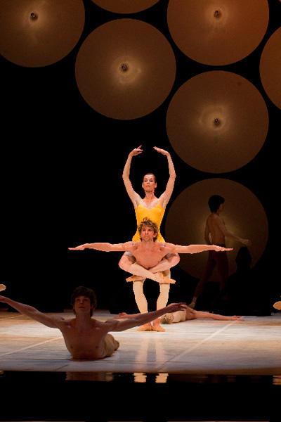 ベジャール・バレエ・ローザンヌ 『主なき鎚』 (C) Laurent Philippe/Opéra national de Paris