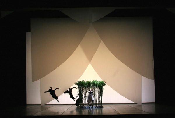 ハンブルク・バレエ団『パルジファル』 (C)Holder Badekow/Opéra national de Paris